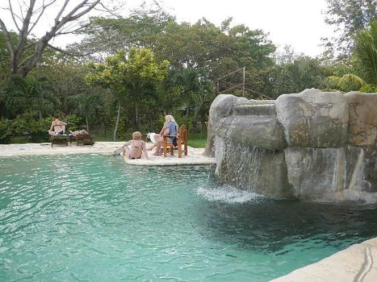 canyon-de-la-vieja-lodge hot springs