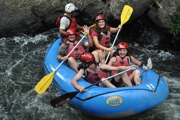 Rafting_on_Tenorio_River_Class_3_and_4